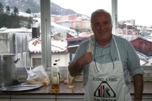 Jesus Mendiolea en la cocina de Erdi-Bana